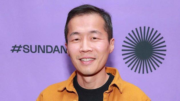 李·以萨克·郑(《米纳里》《自由日》)将执导该片并重写剧本