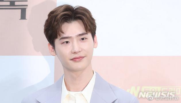 李鐘碩積極擴大公司規模旗下新簽約兩名男演員