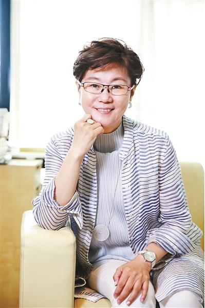 """李少红:无怨无惧群嘲至 似曾相识""""宫词""""来"""