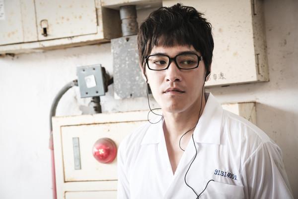 蓝正龙演高中生,还跟15岁少年当同学,让他很心虚