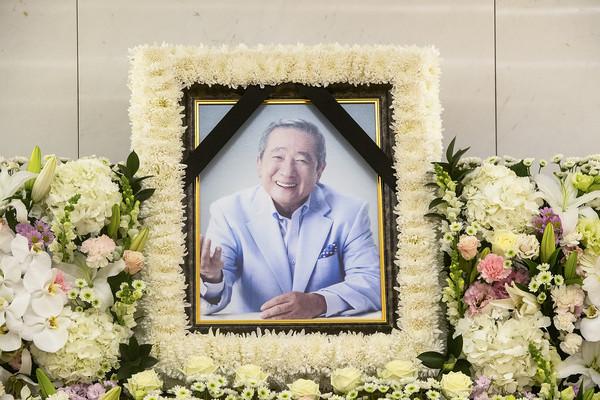 韩国演员宋在浩去世享年83岁 曾演《杀人回忆》