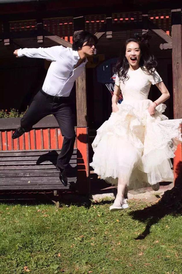 播色舒淇_舒淇冯德伦公布婚讯 将在布拉格举办婚礼