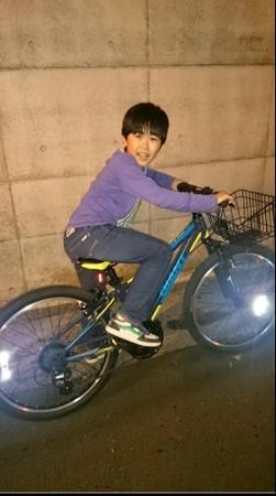 铃木福骑自行车