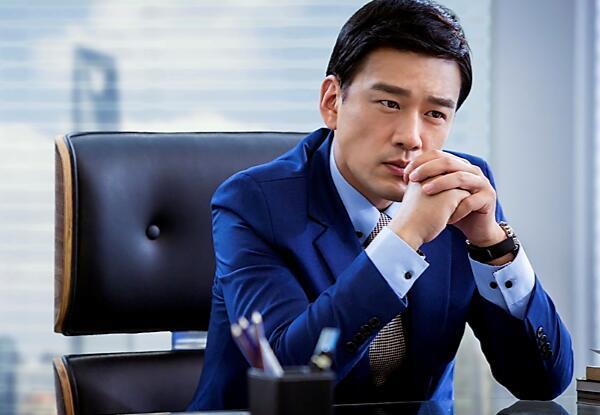 王耀庆饰演霸道总裁