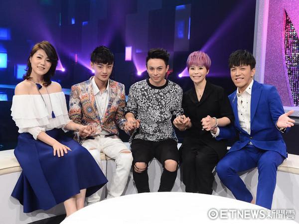 (左起) 曹雅雯、高佳群、温瀚龙、詹雅雯、许志豪