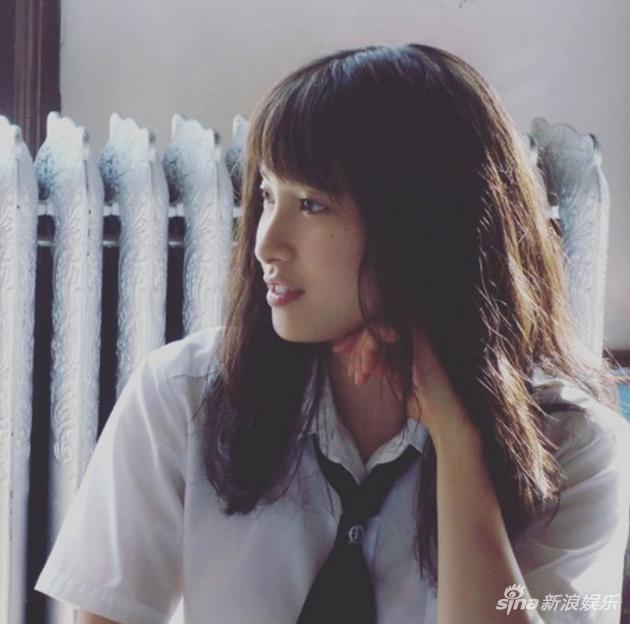 土屋太凤在官方Instagram公开制服照