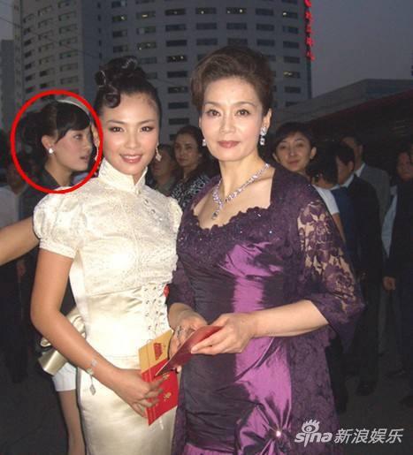 刘涛与潘虹十年前旧照 孙俪意外出现在背景中