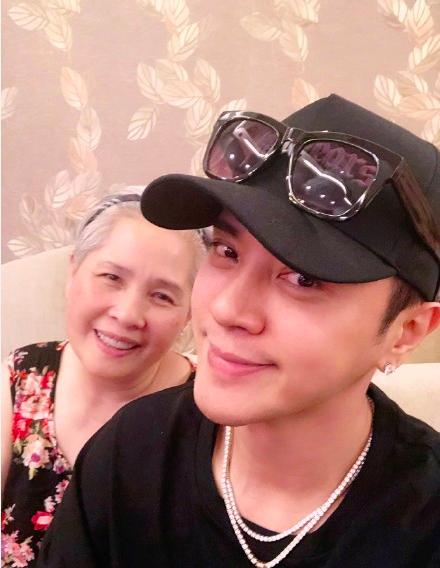 罗志祥和妈妈