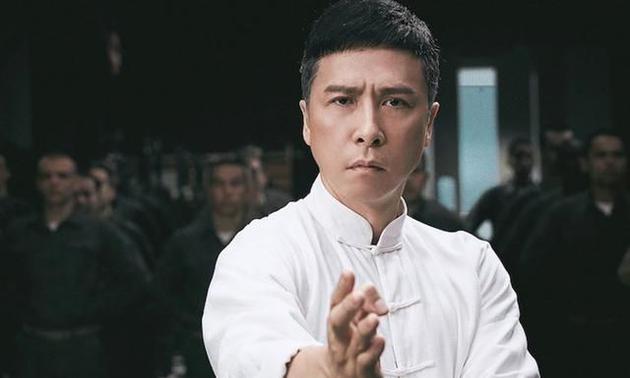 《只有芸知道》与《叶问4》撞档,冯小刚和甄子丹,你会选择谁?