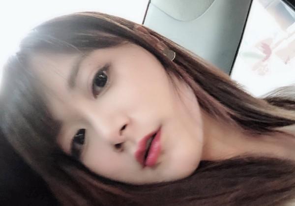 江宏杰姐姐红唇性感