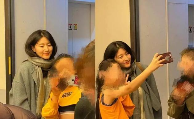 李英喜欢现身孩子私塾与粉丝相符影