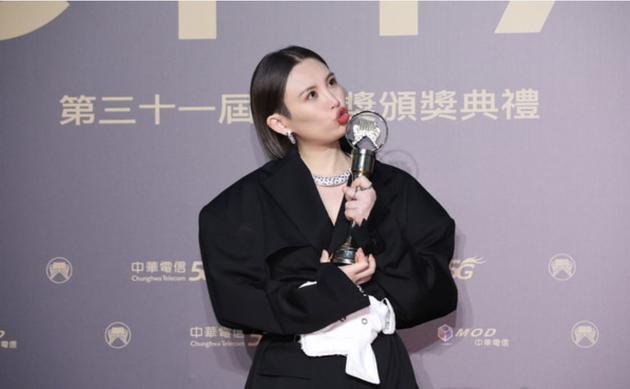 魏如萱10岁就决定要当歌手 曾因长相被拒绝发唱片