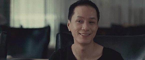 冯远征饰演过不少与他本人反差较大的角色,例如《非诚勿扰》中的爱茉莉