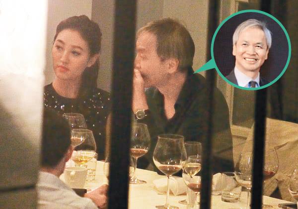 异日老公是现年66岁的澳博营运总裁吴志诚