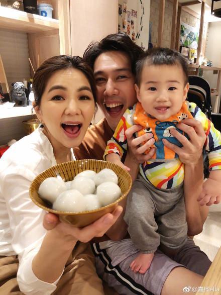 Ella与丈夫孩子