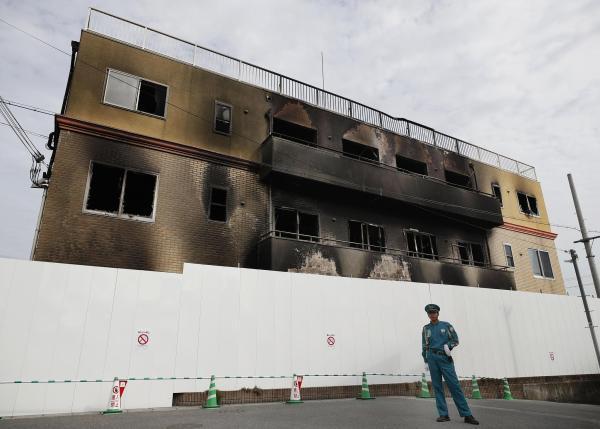 """""""京都动画""""工作室纵火案遇难者增至35人 警方搜查嫌犯住所"""