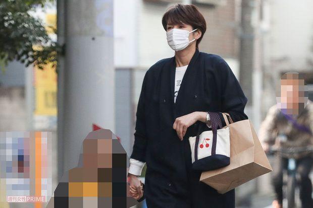 吉濑美智子带孩子出门