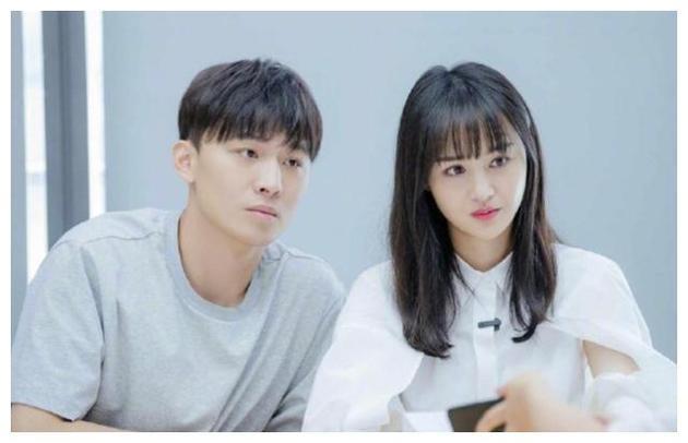 张恒(左)