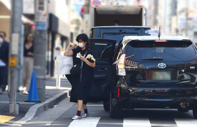 优香与丈夫青木崇高宣布怀孕 预计明年春季生子