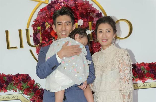 修杰楷和贾静雯婚后幸福。