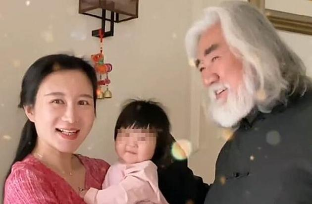 张纪中和小31岁妻子杜星霖