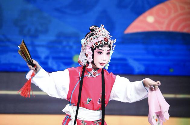 唐禾曦幼朋友带来京剧外演