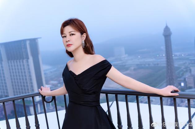 杜华回应点赞杨紫张艺兴视频:对不起 手滑