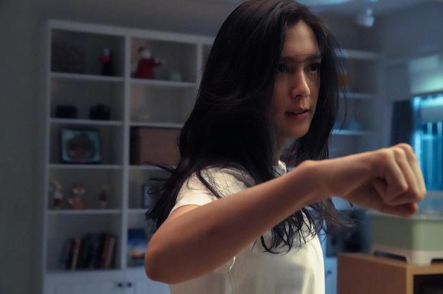 《第九分局》刘奕儿武打戏亲身上阵