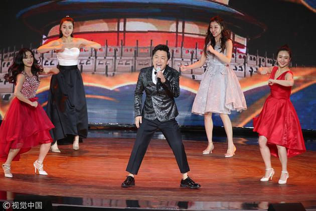 黄渤《最好的舞台》热歌热舞开场