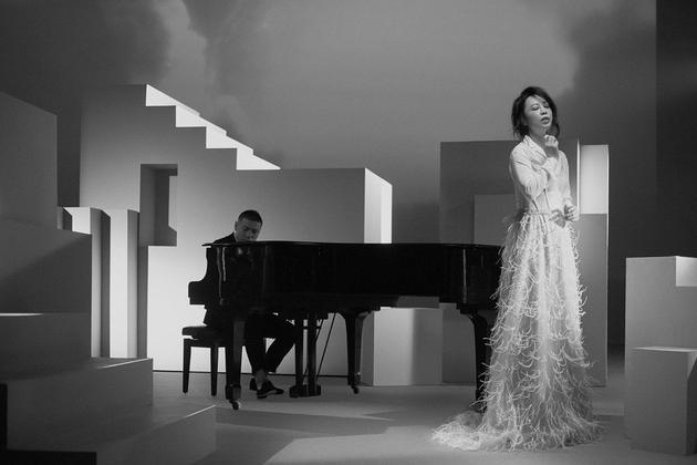 黄绮珊曾嫁台湾音乐人 因离婚错过神曲《听海》