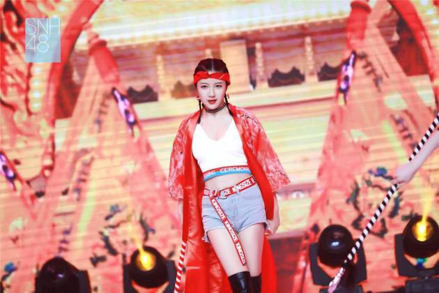 李宇琪获总决选开场曲C位 303名少女偶像力冲五选