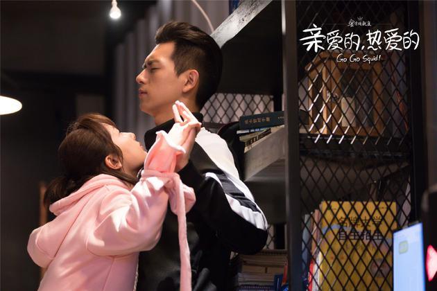 李现与杨紫配相符主演了今年的炎播剧《心喜欢的,酷喜欢的》。