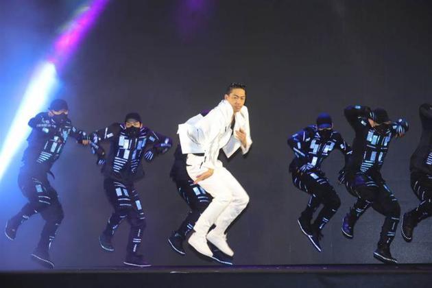 AKIRA稀奇来台担任2020台北灯节开幕外演嘉宾。