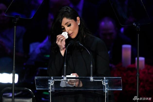 瓦妮莎:入选名人堂是科比生涯的巅峰 为他骄傲