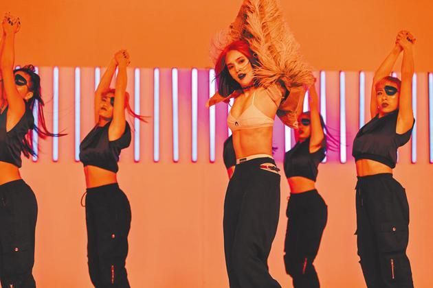 杨丞琳新歌MV造型打破出道20年尺度。
