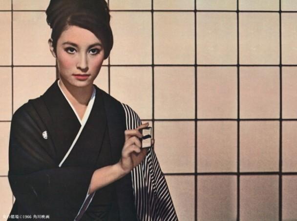 江波杏子倚赖《女赌博师》成名。