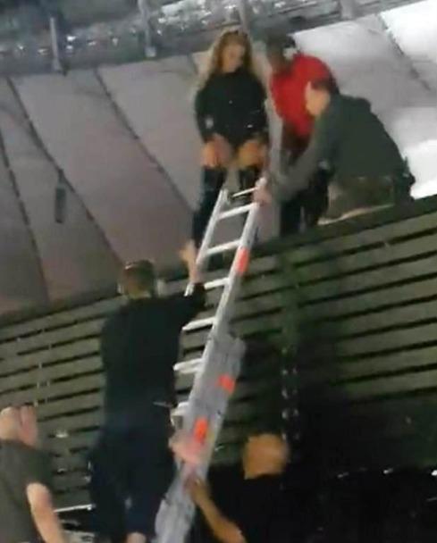 碧昂斯演唱会舞台出问题