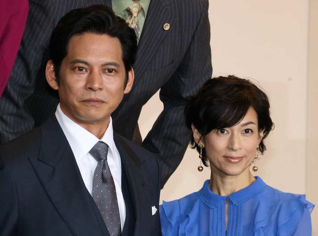 合作月九剧《金装律师》的织田裕二、铃木保奈美