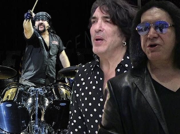 鼓手维尼、吉恩·西蒙斯、保罗·斯坦利