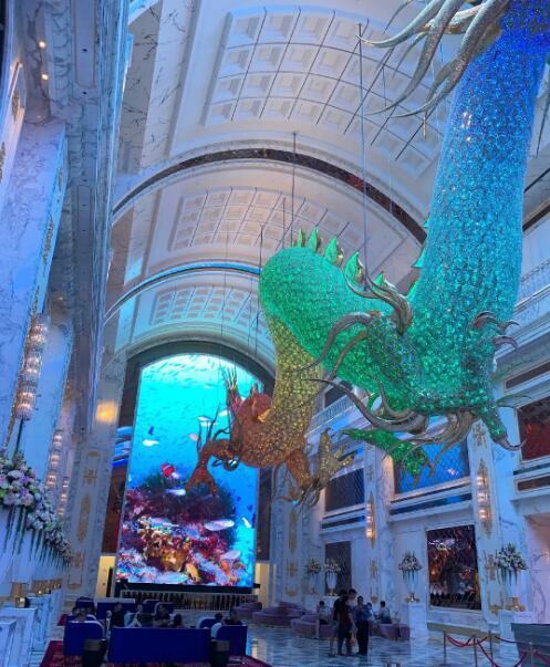 """吴佩慈为婆婆酒店打造的""""巨龙""""。"""