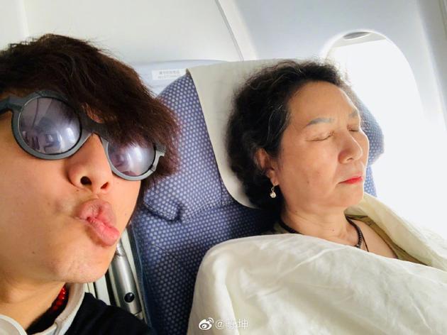 陈坤和母亲