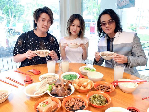 F.I.R.飞儿乐团大吃新加坡美食