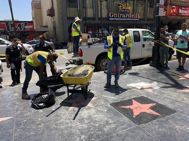 """洛杉矶鼎鼎大名的益莱坞星光大道上,迎来了其历史上第一位""""无生命""""的电影明星。"""