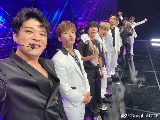 李东海晒Super Junior舞台相符照