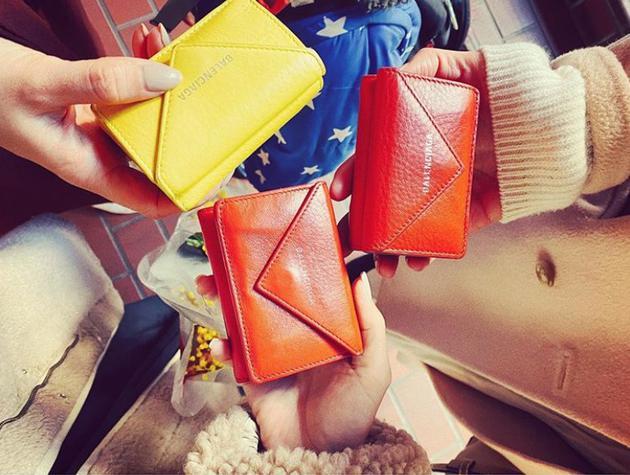 纱荣子分享与粉丝见面经历 晒同款钱包获网友称赞