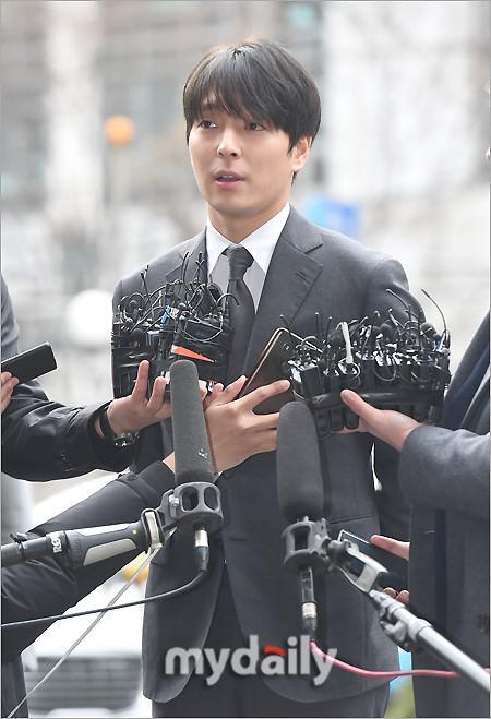 崔钟训承认与尹总警有交情 曾极力否认两人勾结