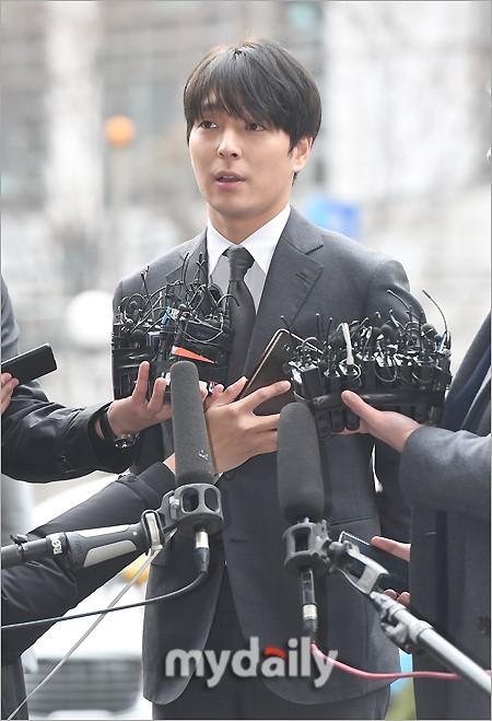 崔钟勋被指控曾在女方酒中下药 趁其昏迷后性侵