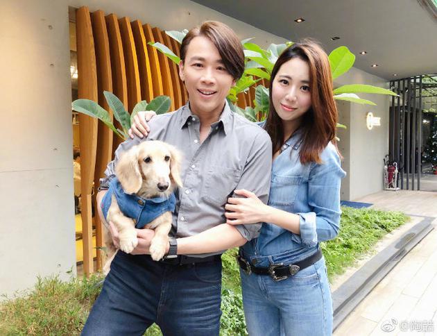 陶喆夫婦與愛犬