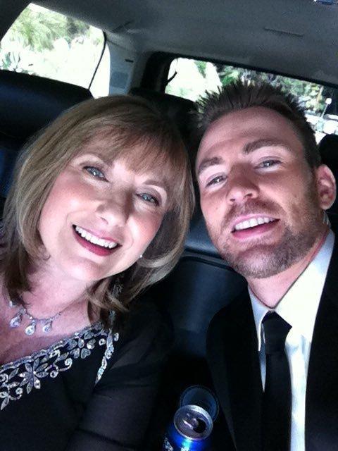 克里斯·埃文斯颇与母亲