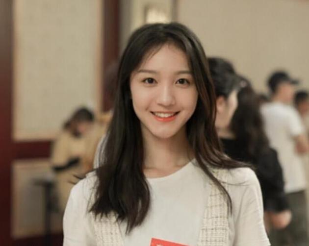 演员刘露大闹火车站被行拘 芒果TV致歉并宣布解约